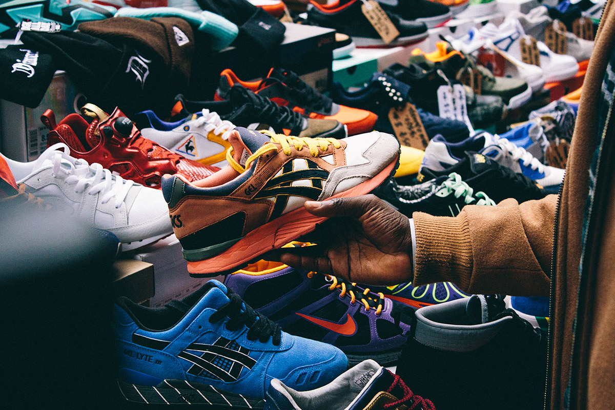 sneaks&peaks: April 2nd '16